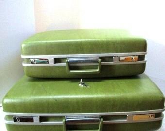 Vintage Luggage Pair Complete w/ Key, 2 Pc Green Samsonite Royal Traveller Nesting Set, Weekend Travel Trip, Craft Storage Carry On Hardside