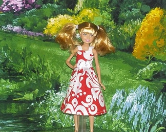STCE1-89) Stacie doll clothes, 1 pretty dress