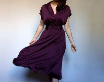 Purple Dress Vintage 70s Dress Midi Dress V Neck Dress Minimalist Dress Short Sleeve Dress Simple Summer Dress Sundress - Medium M