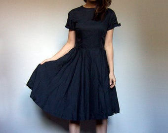 Vintage Rockabilly Dress Black Dress Swing Dress Full Skirt Dress Simple Dress Knee Length Dress - Small to Medium S M
