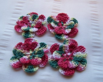 Appliques hand crocheted flowers set of 4 Poinsettia cotton 1.5 inch white red green yellow