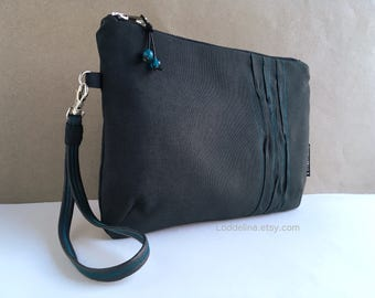 Elegant WRISTLET in black upholstery cotton canvas, hand stitching and a detachable wristband