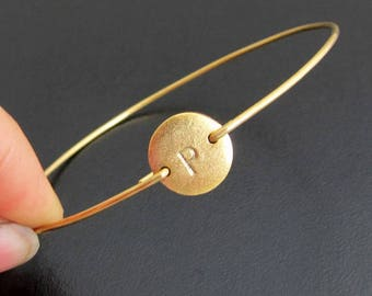 Personalized Jewelry for Mom, Initial Bracelet with Gold Plated Disc, Mothers Day Gift for Sister, Bangle Band in Brass or 14k Gold Filled