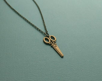 Scissors Necklace. Hair Stylist. Seamstress. Crafter. Artist. Gift. Vintage Inspired Necklace. Sew. Antique Bronze
