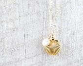 Sea Shell Locket Necklace, Gold Seashell Necklace, Seashell Locket, Ocean Jewelry, Beach Wedding, Mermaid Jewelry, Nautical Wedding