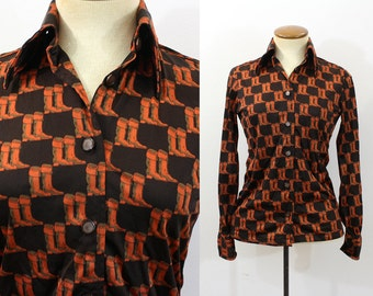1970s Shirt Novelty Print Boots Disco Blouse Button Neck Pointy Collar Brown Orange Long Sleeve Vintage 70s Silky Nylon Extra Small XS