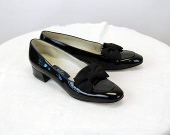 Selby black patent leather shoes with bow on toe black flats Size 7