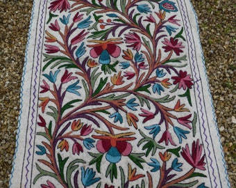 Felt Rug Wool Kashmir Hand Embroidered felted Namda Kilim tapis. Floral . 5 ft x 3 ft