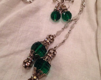 Lariet Necklace Earrings Emerald Green Lucite Rhinestones Chains