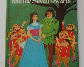 1 Vintage 1974 Snow White & the Seven Dwarfs Childrens Wonder book - Kids Hardback HC book, Girl Gift, Fairy Tale Storybook, Princess Book