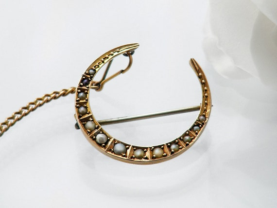 Edwardian Crescent Brooch | Graduated Seed Pearl Crescent Pin | English Hallmarked 9ct Gold Antique Brooch & Safety Chain - Bridal Gift
