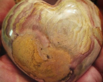 Polychrome Jasper Heart looks like flower boquet pink soft colors
