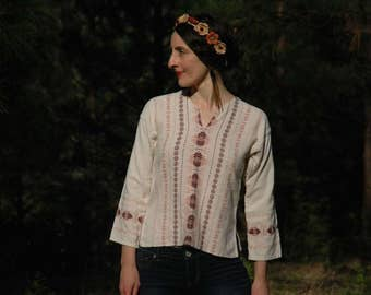 Size Small... Vintage Cotton Mexican Embroidered Shirt... Boho Folk Shirt... Great Colors