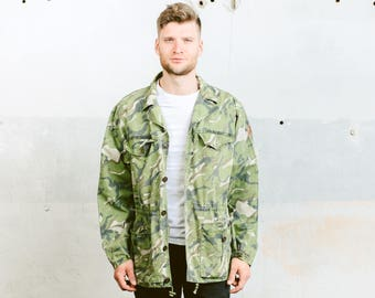 Vintage CAMO Jacket . 90s Men's Forest Camouflage Green Military Army Style Long Jacket Hunting Canvas Outerwear . size XL