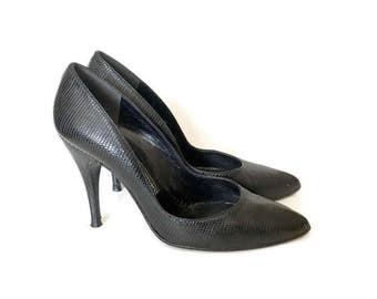 Vintage Stuart Weitzman Lizard Pumps / Black Leather Heels / Reptile Heels / Size 6