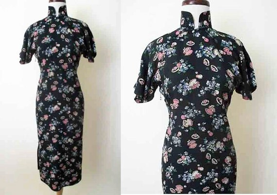 CLEARANCE Lovely 1940's Rayon Novelty Print Asian Style Dress Chic Rockabilly Pinup Girl Suzy Wong Dress Hourglass Size Small /Medium