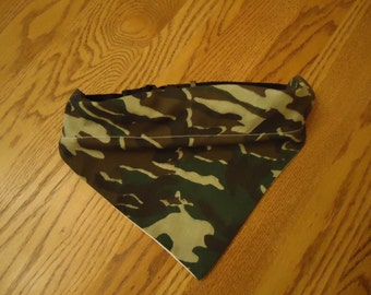 Large Dog Collar Scarf Camo with Black adjustable Collar