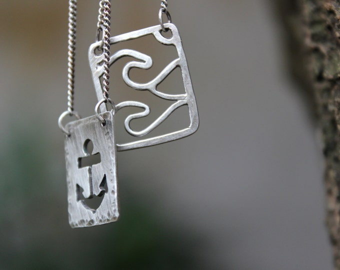 Wave & Anchor Sorte Necklace