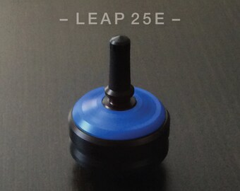 LEAP 25E BLUE – Spin Top with integrated rubber grip and ceramic tip