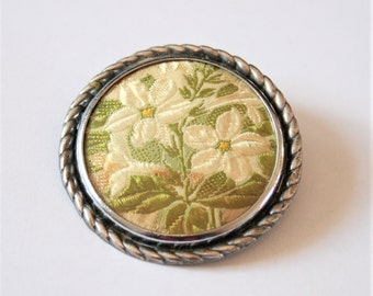 Vintage embroidered flower brooch. Pale yellow flower brooch