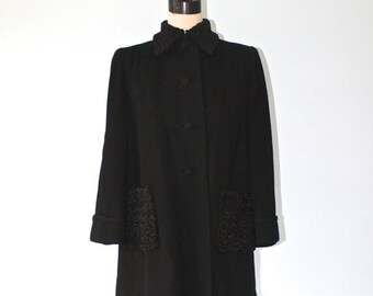 40% OFF SALE 1940s BONWIT Teller Black Wool Coat . Vintage 40s 50s Black Persian Curly Lamb Coat Collar & Pockets . Prestigious Luxury . Sz