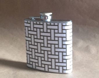 NEW Print Black White and Gold Basketweave Print 6 ounce Stainless Steel Girly Gift Flask KR2D #BWGBW6