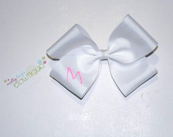 """5"""" White boutique bow with Hot Pink glitter initial"""
