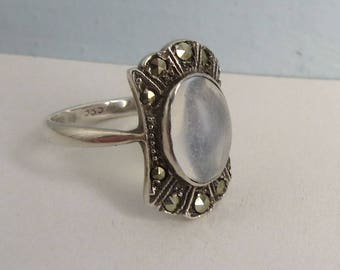Pretty VINTAGE ART Deco Moonstone Marcasite  RING