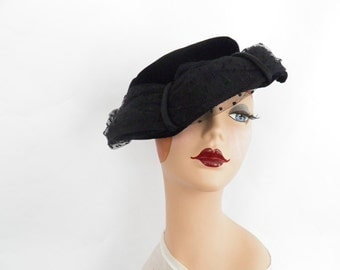 1940s black hat, vintage tilt, tulle and velvet