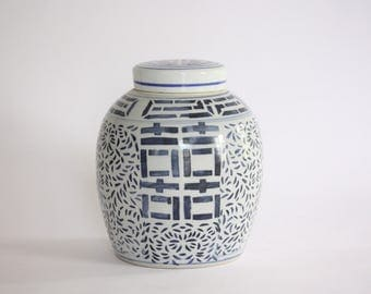 Large Vintage Blue and White Ceramic Ginger Jar with Lid