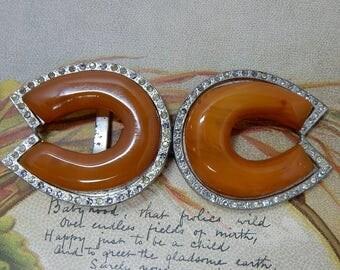 Vintage Butterscotch Bakelite Horseshoe Coat Clasp or Belt Buckle    OAB26