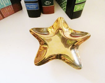 Vintage Brass Star Catchall, Home Office Decor, Candy Dish, Brass Decor, Hollywood Regency,Brass Dish, Christmas Decor, Christmas Star