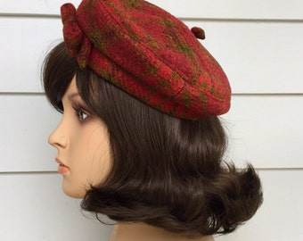 1960s Beret Raspberry And Green Plaid Tweed