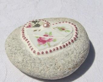 Pink Heart Mosaic Stone, Roses