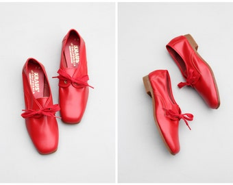 vintage 1960s red oxford shoes - deadstock ladies footwear / cherry red oxfords - 1950s flats - 60s shoes / mod tie up oxford flats