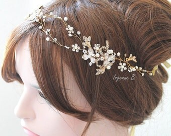 Gold or Rose gold Leaf Vine Bridal Headpiece. Boho Delicate Crystal Pearl wedding Wreath. Halo Headband. Rhinestone Floral Hairpiece. TEREZ