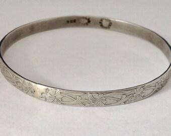 Mexican Sterling Silver Bangle Bracelet Embossed Arts & Crafts Floral Design