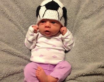 soccer ball hat//newborn//infant//baby//crochet//14 inches