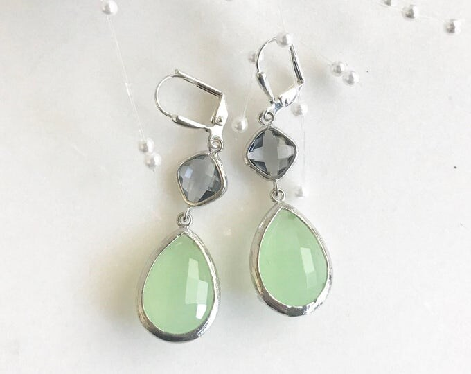 Mint and Charcoal Gray Bridesmaids Earrings in Silver.  Mint and Grey Bridesmaids Dangle Earrings. Drop Earrings. Jewelry Gift.  Wedding.