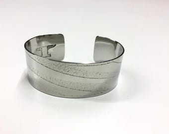 "Diagonals Cuff - Etched Stainless Steel - 1"" wide"