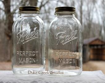 2 HALF GALLON SQUARE Ball Perfect Mason Jars w/Gripper Ribs Measurement Marks & 2-Piece Metal Lids ~ Farmhouse Kitchen ~ Ins w/Shipping