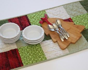Holiday Table Runner, Quilted Table Topper