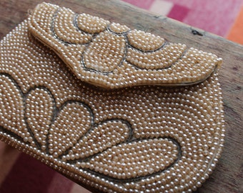 Vtg. Womens sweet beaded clutch purse - made in Japan