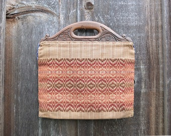 Vintage Woven Purse with Carved Wood Handles / 1940s Purse / Vintage Handbag