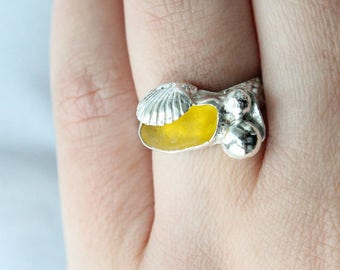 Yellow Sea Glass Ring, Sea Glass Ring, Shell Ring, Beach Glass Ring, Sea glass Jewelry, Beach Glass Jewelry, Seaglass Jewelry, Silver Ring