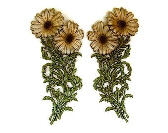 Burwood Products Daisies, Vintage Wall Decor, 3D Wall Art, Large Wall Plaques, Floral Wall Decals