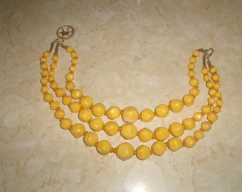 vintage necklace triple strand yellow lucite