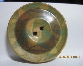 ANTIQUE BEAUTIFUL L 1800's/E 1900's Large Green/Beige/Tan Art Deco Celluloid/Metal Wafer Button.....#306