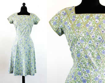 Vintage 1950s dress . Morning Glory . floral print lattice work cotton 50s dress . 1950s blue day dress . md / lg