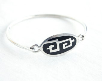 Mexican Bracelet Sterling Silver Hook Eye Bangle Size 6 .5 Medium Vintage Modern Tribal Design Gift for Her